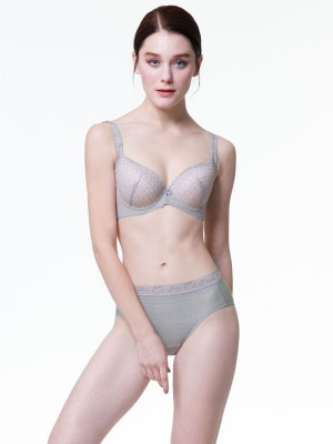 Lace Moulded Bra