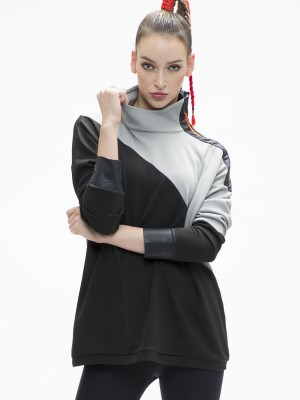 Zipper-Turtleneck Pullover With Thumbhole